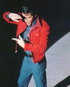"★Elvis in ""Roustabout"" Lisa Marie Presley, Elvis Presley Priscilla, Elvis Presley Photos, Mississippi, Elvis 68 Comeback Special, Tennessee, Elvis Quotes, Movie Co, John Lennon Beatles"