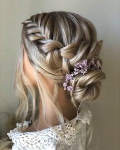 Wedding hairstyle-tutorial - The Effective Pictures We Offer You About diy projects A quality picture can tell you many things. Bride Hairstyles With Veil, Wedding Hairstyles Tutorial, Prom Hairstyles For Short Hair, Braids For Short Hair, Down Hairstyles, Hairstyle With Flowers, Country Wedding Hairstyles, Bridesmaids Hairstyles, Fashion Hairstyles