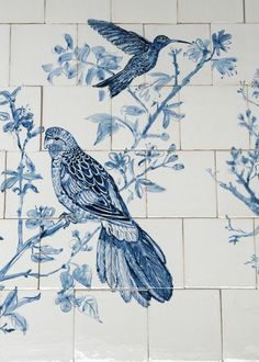 Tile tableau classic style with birds in Delft Blue Painting Bathroom Tiles, Paint Tiles, Tile Panels, Tile Murals, Blue Tiles, Blue China, Inspiration Wall, White Decor, Delft