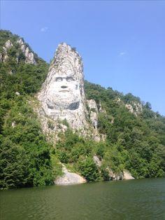 Decebal la Cazane Our World, Mount Rushmore, Wayfarer, Mountains, Amazing, Travel, Viajes, Destinations, Traveling