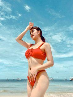 Nhan sắc quyến rũ của Hot Girl cổ động viên SEA Games 2019 Asian Makeup Natural, Bikinis, Swimwear, Games, Sexy, Fashion, Bathing Suits, Moda, Bikini