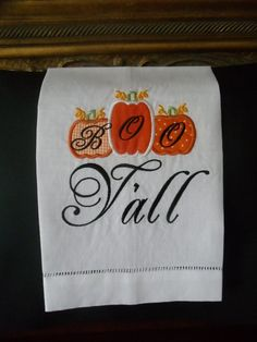 Halloween Decor Ideas Happy Halloween BOO Y'All Pumpkin Linen #halloween #decor #linen www.loveitsomuch.com