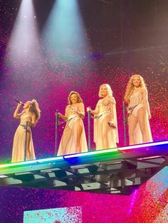 Queens LGBT ❤💛💙💚💜🧡 , the girls tonight in Glasgow at Night Little Mix Poster, Jessy Nelson, Secret Love Song, Little Mix Girls, Litte Mix, Perrie Edwards, Mixers, Girl Bands, Celebs