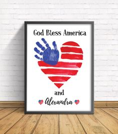4th July Crafts, Fourth Of July Crafts For Kids, Hand Crafts For Kids, Fathers Day Crafts, Baby Crafts, Kids Daycare, Daycare Crafts, Child Hand, New Daddy Gifts