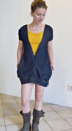 A testa in giù upcycled jeans/denim vestito