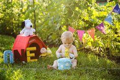 snoopy cake smash theme sewell, nj children's cake smash photographer S18 Photography