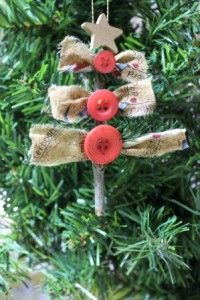 Create this cute country Christmas ornament for your tree