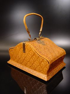 Very rare and exclusive lady's handbag, which was manufactured during the early Georgian era (around 1775-1800) in Europe.