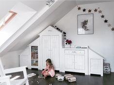 Nursery Furniture Sets, Kids Furniture, Nursery Decor, Baby Cupboard, House Beds For Kids, Montessori Baby, Cot Bedding, Scandinavian Design, Toddler Bed