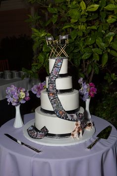 Old Hollywood Glamour Gay Wedding - Equally Wed, modern LGBTQ+ weddings + LGBTQ-inclusive wedding pros Gay Wedding Cakes, Themed Wedding Cakes, Wedding Cake Designs, Wedding Cake Toppers, Cinema Themed Wedding, Wedding Movies, Old Hollywood Cake, Glamour Cake, Hollywood Glamour Wedding