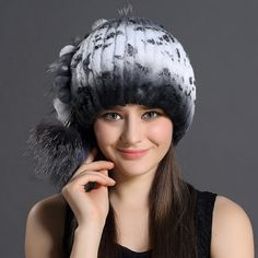 57.59$  Watch here - http://alizyh.worldwells.pw/go.php?t=32691849914 - Winter Fur Beanies For Women Natural Rex Rabbit Fur Hats With Balls 2016 Casual Warm Trendy Fur Beanies Cap Customized Women Hat 57.59$