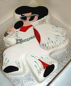 i want to get married by elvis someday....lol