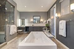 How would you like your master bath to look like this? Modern bathrooms that can fit your style.