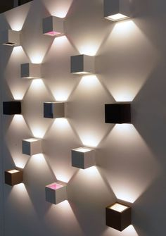 Wall lamp design - Furnishing your home entrance the best modern interior design ideas Hidden Lighting, Outdoor Wall Lighting, Exterior Lighting, Cool Lighting, Office Lighting, Modern Lighting Design, Lighting Concepts, Modern Interior Design, Blitz Design