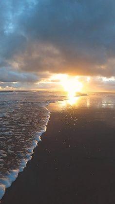 Beach Sunset Wallpaper, Scenery Wallpaper, Beautiful Landscape Wallpaper, Beautiful Landscapes, Aesthetic Photography Nature, Summer Nature Photography, Camera Photography, Sunset Photography, Images Esthétiques