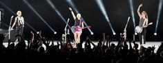CONCERT REVIEW: DIXIE CHICKS RETURN TO SOUTHERN CALIFORNIA
