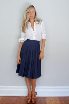 80s Pleated Midi Skirt // Woven Deep Blue High Waist #vintage #fashion #style