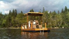 The Firefly solar-powered boat was built by Canadian eco-enthusiast Dan Baker for an impressive CA$2,900 (US$2,845).