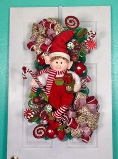 Christmas diy decorations easy and cheap 4 Elf Christmas Decorations, Elf Christmas Tree, Elf Decorations, Christmas Swags, Christmas Lanterns, Whimsical Christmas, Christmas Centerpieces, Holiday Wreaths, Diy Christmas Gifts