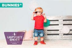 Stoere rode schoenen voor de kleinste mannen van Bunnies. We hebben ook andere modellen en kleuren. Voor elk wat wils. Ontdek ze nu zelf.