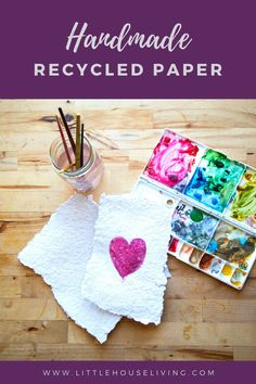 Are you looking for a unique craft that you can do with materials you already have on hand? This DIY Homemade Paper Tutorial is perfect! Do It Yourself Projects, Cool Diy Projects, Make It Yourself, Easy Crafts For Kids, Fun Crafts, Little House Living, Amazing Crafts, Simple Crafts, Types Of Craft