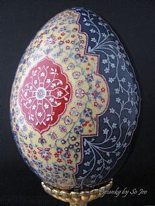 Nowruz Blessings Persian Ukrainian Style Easter Egg Pysanky By So Jeo Ukrainian Easter Eggs, Ukrainian Art, Arabesque, Egg Shell Art, New Year Art, Carved Eggs, Egg Designs, Faberge Eggs, Egg Art