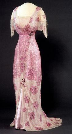 Evening Dress    c.1912-1913 Nasjonalmuseet for Kunst, Arketektur, og Design
