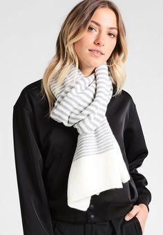 ¡Consigue este tipo de bufanda de S.Oliver RED LABEL ahora! Haz clic para ver los detalles. Envíos gratis a toda España. S.Oliver RED LABEL Bufanda white: s.Oliver RED LABEL Bufanda white Complementos   | Material exterior: 100% poliacrílico | Complementos ¡Haz tu pedido   y disfruta de gastos de enví-o gratuitos! (bufanda, bufanda, scarf, snood, knitted scarf, schal, bufanda, écharpe, sciarpa, bufandas)