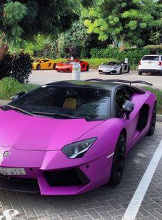 Malgré que ce soit une Lamborghini Aventador, la couleur est in ou out ? - LGMSports.com