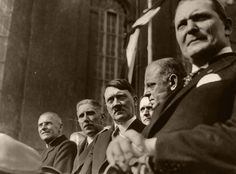 Goering (far right) and Hitler in civilian clothes. Must be a pre WW II photo. Franz Von Papen, World History, Ww2 History, Workers Party, German People, Rich Image, The Third Reich, Lest We Forget, Rare Photos