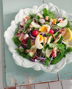 Midsummer salad from leparfait.se Photo Ulrika Ekblom/Recipe Liselotte Forslin