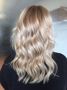 Highlights & olaplex and glossing #olaplex #highlights #glossing #blonde