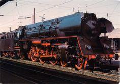 0961 GERMANY (Hesse) - Express locomotive 01 523 in 1965 in Bebra station