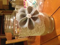 Decorated mason jar w/ lace and red hearts Mason Jar Vases, Mason Jar Wine, Mason Jar Crafts, Plant Crafts, Diy Crafts, Shabby Chic Christmas Decorations, Wine Bottle Design, Flower Holder, Burlap Flowers