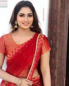 Shivani Narayanan actress beauty image gallery cute and hot and bollywood item Indian model unseen latest very beautiful and sexy wedding se. Beautiful Girl Indian, Most Beautiful Indian Actress, Beautiful Saree, Beautiful Models, Beautiful Women, Beautiful Bollywood Actress, Beautiful Actresses, Beauty Full Girl, Beauty Women