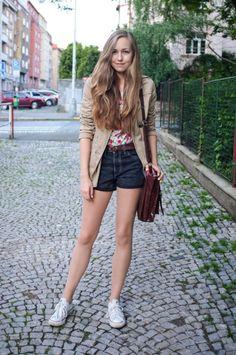 awesome runaway street style photo form acupofstyle fashion blog