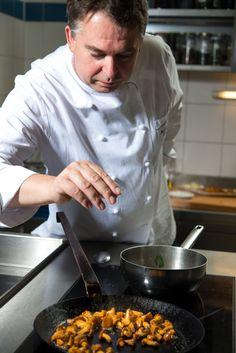 """Genießen Sie unsere ausgezeichnete Küche, die Ihnen Köstlichkeiten von der """"jungen bayerischen Küche"""" bis zu internationalen Spezialitäten anbietet. Das Hotel, Restaurant, Kitchen, Brewery, Boys, Cooking, Diner Restaurant, Kitchens, Restaurants"""