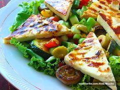 Halloumi salata s grčkim preljevom — Coolinarika