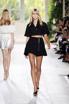 Balenciaga Spring 2014 Ready-to-Wear Runway - Balenciaga Ready-to-Wear Collection
