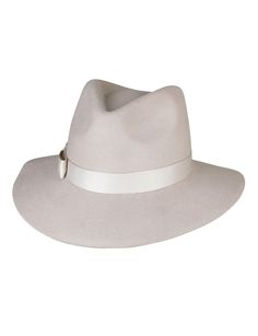 #Shop: Vanilla Chai Spade Felt Fedora $59.95 - The felt fedora is the ultimate fashion statement this season. Hand made in Australia - Made from 100% wool - Smooth felt finish - Pinched crown top - Ribbon band - Bow trim finish - Wide brim. #FeltFedora