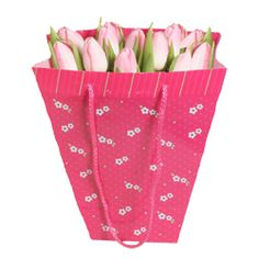 This collection of pink tulips is a timeless classic. Beautifully presented in gift bag makes this a perfect gift for Mothers Day. £25