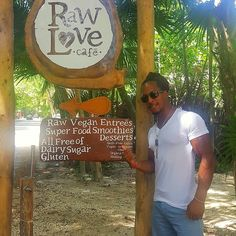 LOVE SHOULD BE UNCONDITIONAL!  Being in Tulum for the @tulumveganfest was truly an amazing experience and I was honored to have been there. Enjoying food cooked and prepared with love was exciting to my taste buds and then some. #vegan doesn't mean animocity hatred judgment or elitist it's about compassion for all especially those whose voice isn't often heard. Love all beings and the good food that can be prepared as a vegan . #nourish #torrewashington #vbba #whattorreeats #feedmymuscles…