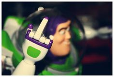 A Funny Picture Collection to enhance your weekend ! Buzz light year knows what's up lol Jeff The Killer, Steam Punk, Dibujos Toy Story, To Infinity And Beyond, Buzz Lightyear, Favorite Words, Trap, Statements, Picture Collection