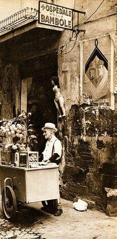 DOLL HOSPITAL. Napoli ~ Ospedale delle Bambole