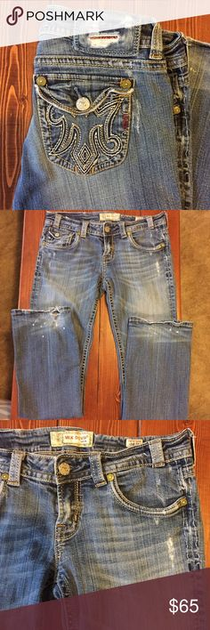 MEK Denim Easter Island Bootcut MEK Easter Island Bootcut. Signature M pocket. Distressed. Wear shown on knee and bottom of pant legs. Size 30. 34 inches inseam. MEK Jeans Boot Cut