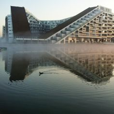 The 8House / 8-tallet by BIG - Bjarke Ingels Group. Photo by Sidsel Hartlev.