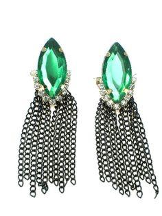 Oorbellen met Groene facet kraal en zwarte strengetjes.€2,95 per paar #oorbel #earring #deoorbel