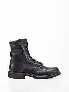 Shoes Diesel Men at the Official Online Store Rider Boots, Combat Boots, Paratrooper Boots, Fashion Shoes, Mens Fashion, Biker Fashion, Diesel Store, Shoe Tree, Leather Boots