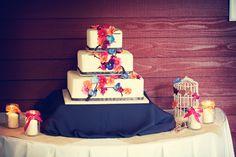 #minneapolisweddingphotographers #weddingcakes