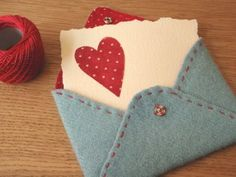 Stack the envelopes and put them inside a handmade felt envelope? Fabric Crafts, Sewing Crafts, Sewing Projects, Craft Projects, Kids Crafts, Craft Tutorials, Felt Projects, Creative Crafts, Valentine Day Crafts